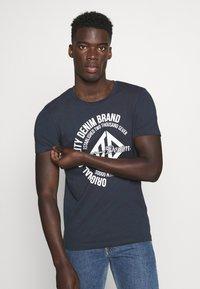 TOM TAILOR DENIM - WITH COINPRINT - T-shirt med print - sky captain blue - 0