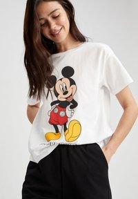 DeFacto - DISNEY - Print T-shirt - white - 3