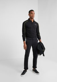 Hackett Aston Martin Racing - PIPED SEAM - Polo - black - 1