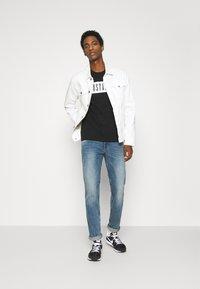 Mustang - ALEX LOGO TEE - Print T-shirt - black - 1