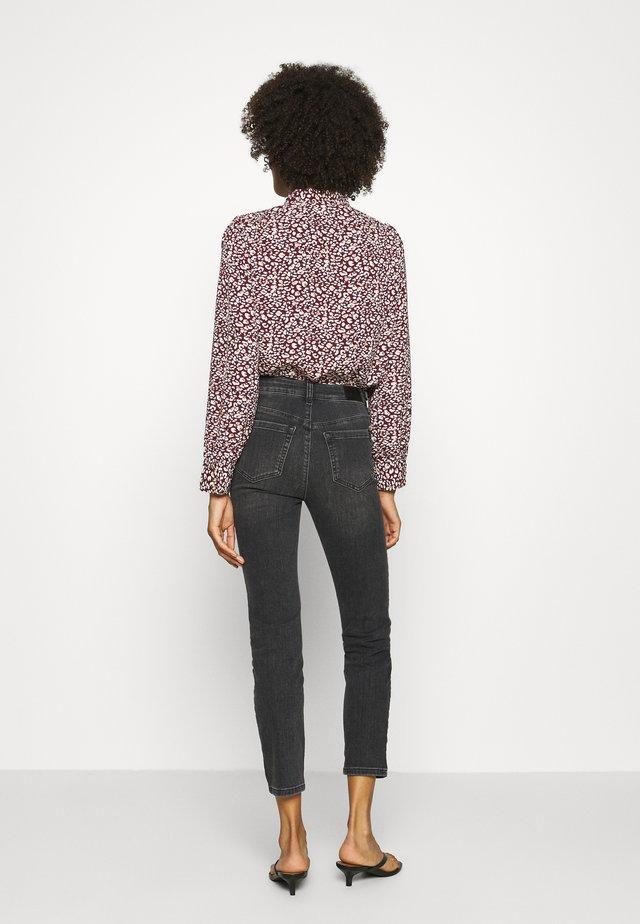 KAHADLEY 7/8 - Slim fit jeans - black washed denim