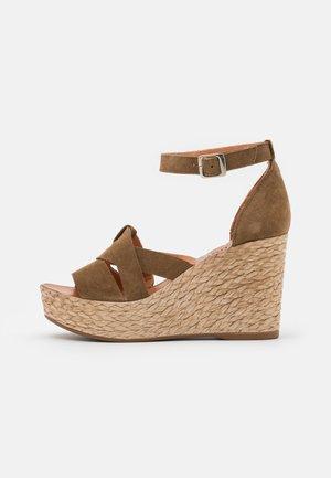 ALEXA - Korolliset sandaalit - marvin stone