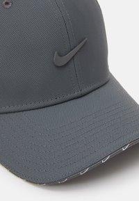 Nike Sportswear - UNISEX - Cap - iron grey - 3