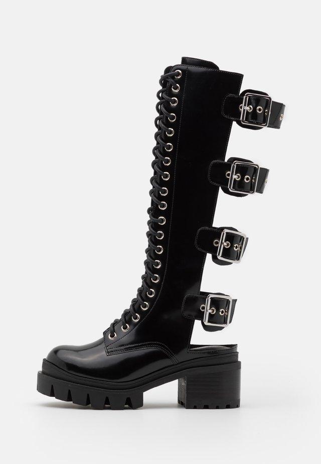 TANK GIRL - Šněrovací vysoké boty - black box