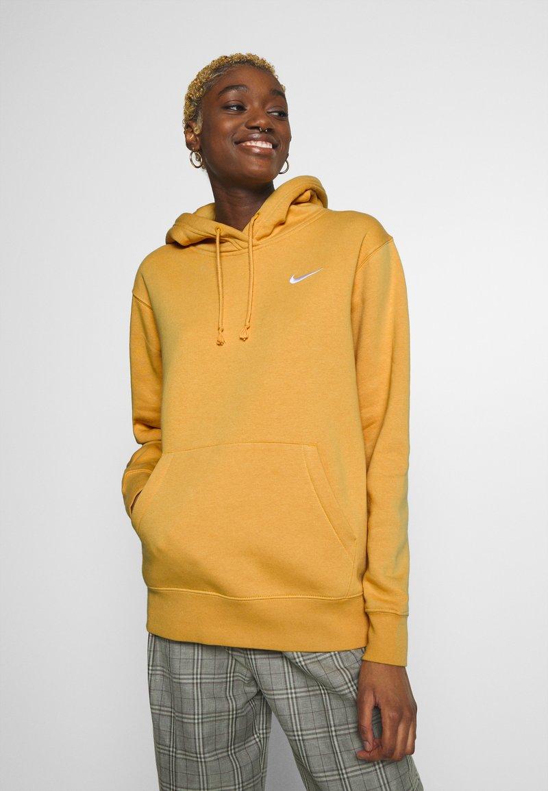 Nike Sportswear - W NSW HOODIE FLC TREND - Bluza z kapturem - yellow