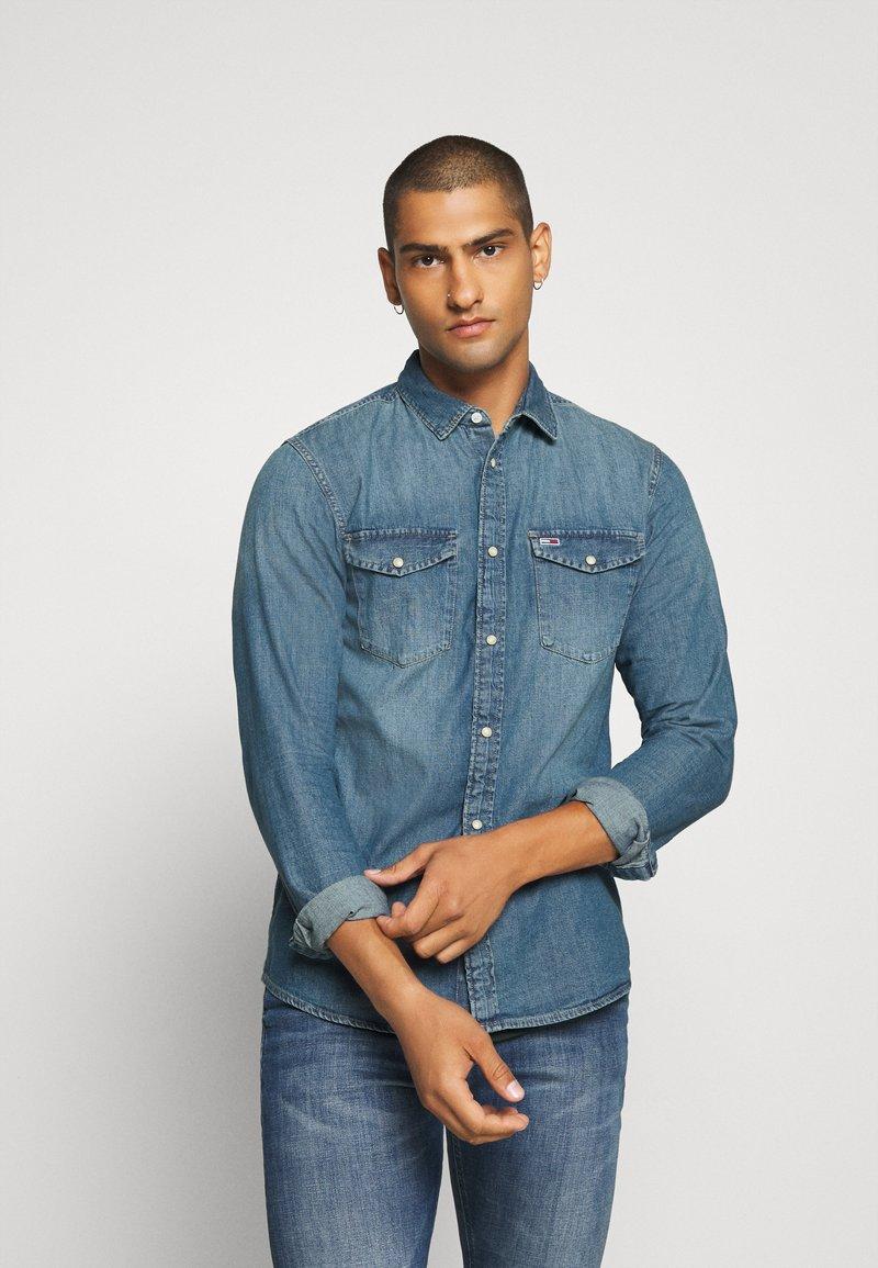 Tommy Jeans - TJM WESTERN  - Shirt - mid indigo
