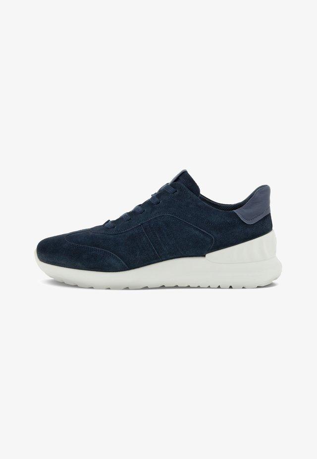 ASTIR LITE - Sneakers laag - navy/ombre