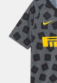 Nike Performance - INTER MAILAND UNISEX - Club wear - dark grey/tour yellow - 3