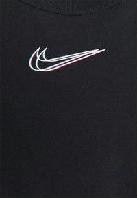 Nike Sportswear - CROP TEE - T-shirt imprimé - black - 2