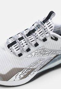 Reebok - NANO X1 TR ADVENTURE - Chaussures d'entraînement et de fitness - footwear white/core black - 5