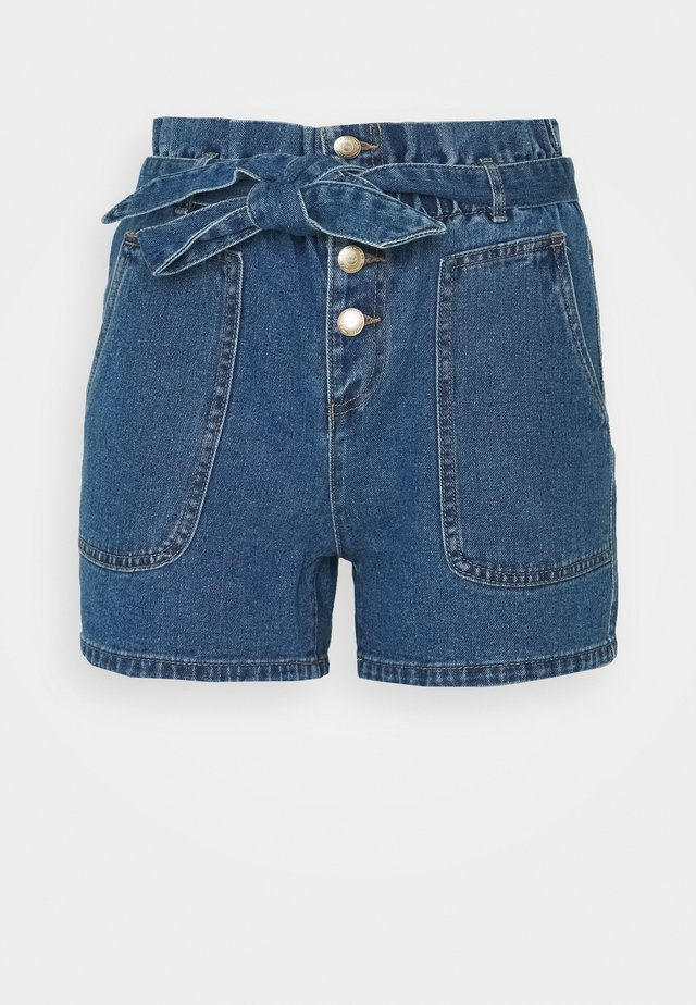ONLJUDY LIFE BELT  - Shorts vaqueros - medium blue denim