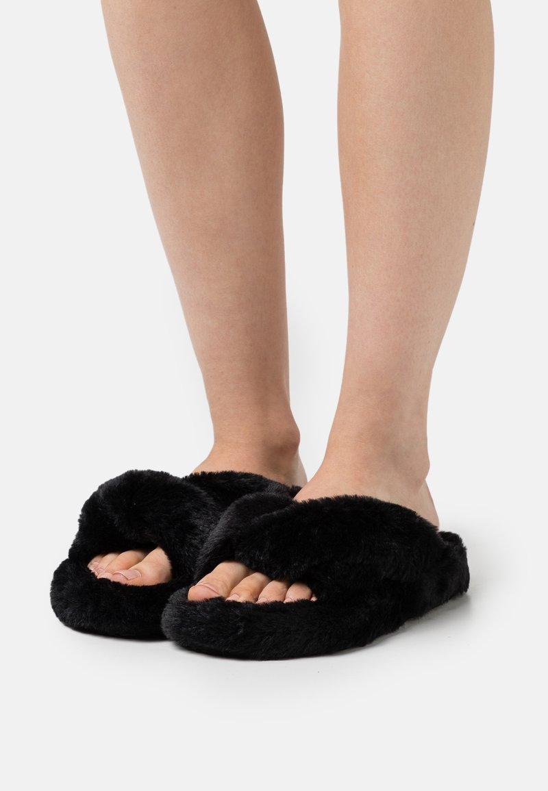 L37 - SKYDANCE - Slippers - black