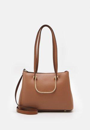 SHOPPER BAG KITSH M - Tote bag - camel