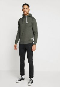 Jack & Jones - JCOPINN HOOD REGULAR FIT - Luvtröja - rosin melange - 1