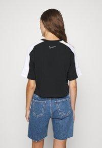 Nike Sportswear - ARCHIVE - T-shirts print - black/white - 2