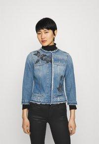 Liu Jo Jeans - GIACCA KATE - Jeansjakke - light blue denim - 0