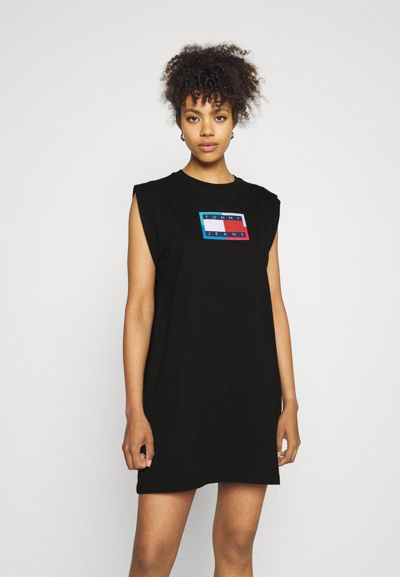 Tommy Jeans - LOGO FLAG TEE DRESS - Jersey dress - black