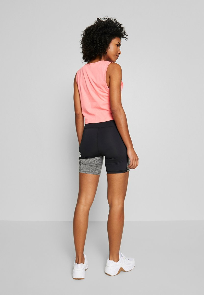 Superdry - TRAINING GRAPHIC SHORTS - Leggings - grey marl