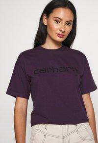 Carhartt WIP - SCRIPT - Print T-shirt - boysenberry/black - 0