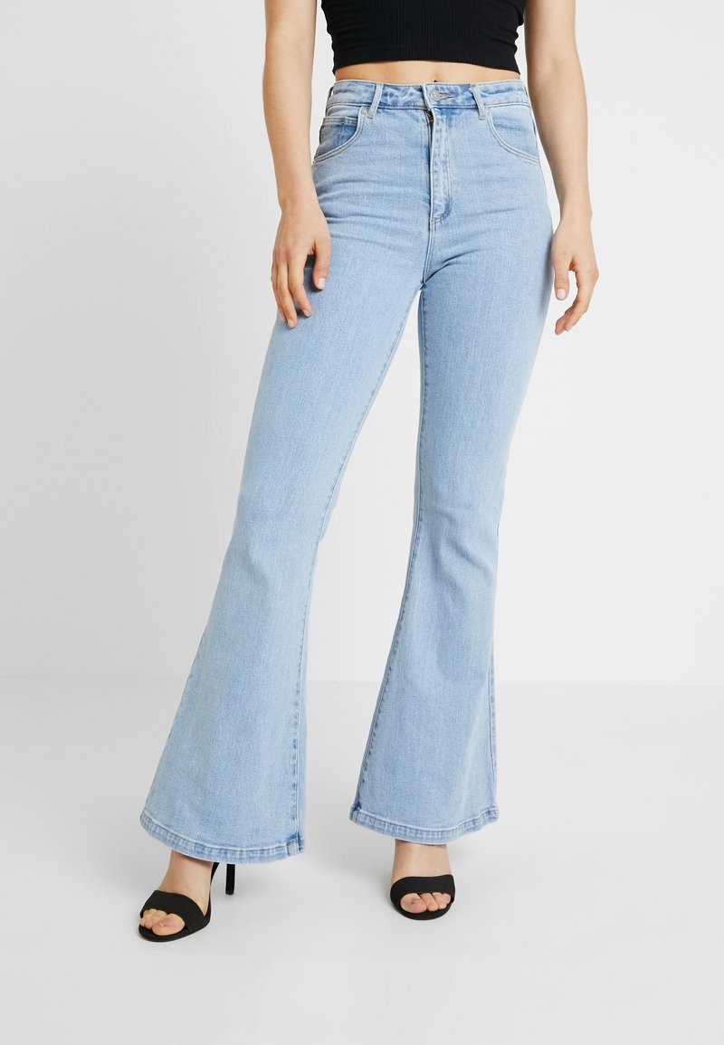 Abrand Jeans - DOUBLE - Flared Jeans - walk away