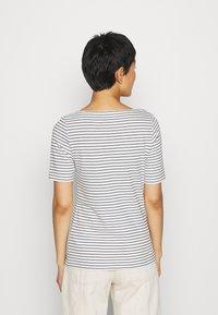 Marc O'Polo - SHORT SLEEVE ROUND NECK - Print T-shirt - multi/black - 2
