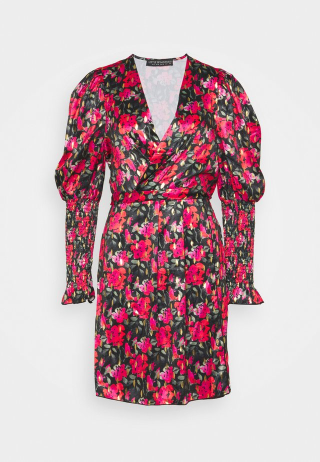 Pouzdrové šaty - red