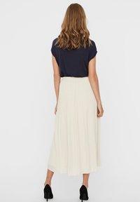 Vero Moda - Pleated skirt - birch - 2