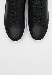 SIKSILK - GHOST - Trainers - black/white - 4