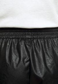 MM6 Maison Margiela - Shorts - black - 5