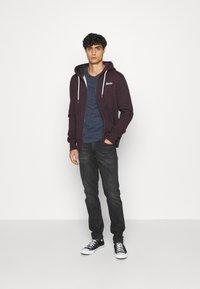 Superdry - ORANGE LABEL - Zip-up hoodie - autumn blackberry marl - 1