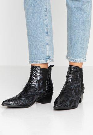 PSHARA SNAKE - Ankle boots - black