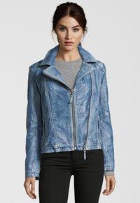 7eleven - MIT ASYMMETRISCHEM REISSVERSCHLUSS - Leather jacket - bluewhite - 0