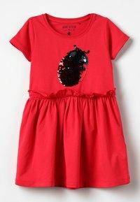 Blue Seven - Žerzejové šaty - hochrot - 0