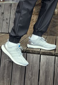 adidas Performance - ULTRABOOST DNA UNISEX - Sneakers - halo silver/dash grey - 2