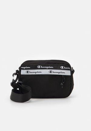 MEDIUM SHOULDER BAG UNISEX - Bandolera - black