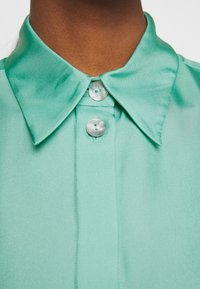 Victoria Victoria Beckham - BUTTON DETAIL - Blouse - spearmint green - 7