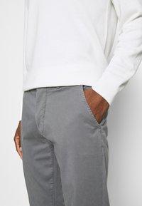 Casual Friday - VIGGO - Chino kalhoty - smoked pearl grey - 4