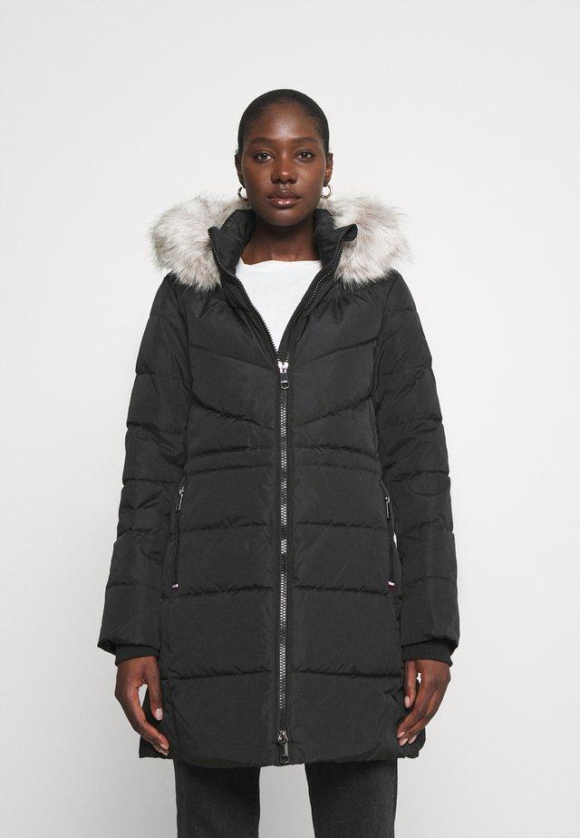 PADDED COAT - Płaszcz zimowy - black
