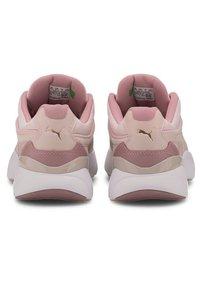 Puma - LIA TONAL - Sneaker low - peachskin-foxglove - 4