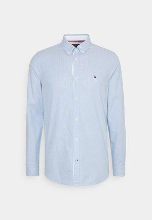 SLIM FLEX DOBBY - Overhemd - copenhagen blue
