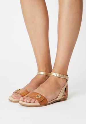 JASMIN - Sandals - cognac/gold