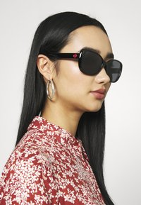 Guess - Sunglasses - black - 1