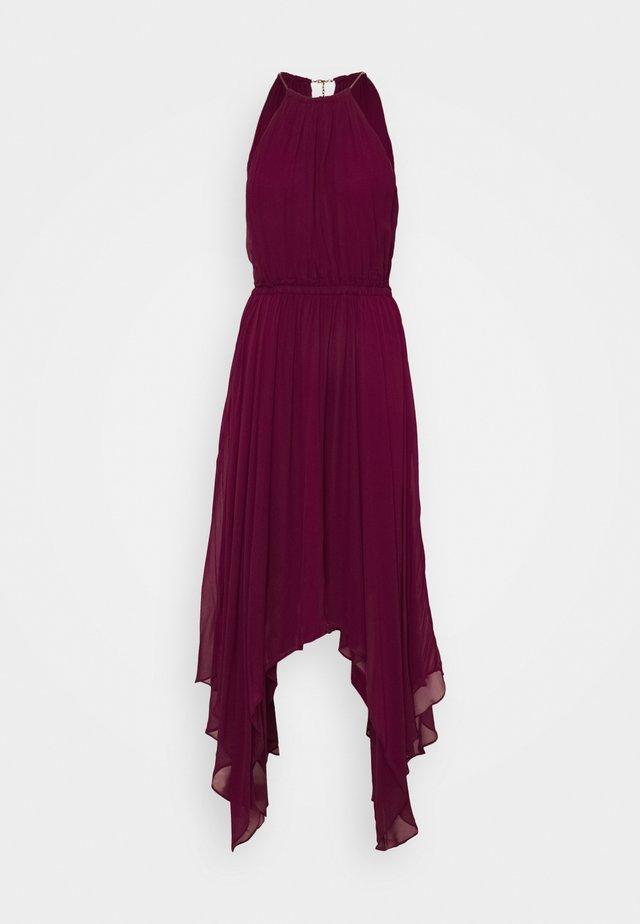 PLEATED HALTER - Maxi šaty - dark ruby