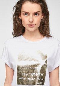 s.Oliver - Print T-shirt - white statement print gold - 5
