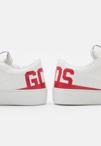 GCDS - BUCKET - Tenisky - red - 5