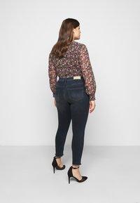 ONLY Carmakoma - CARWILLY LIFE RAW  - Jeans Skinny Fit - dark blue denim - 2