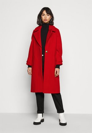 DROP SHOULDER - Manteau classique - red