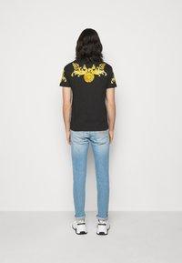 Versace Jeans Couture - GOLD BAROQUE - Print T-shirt - black - 2
