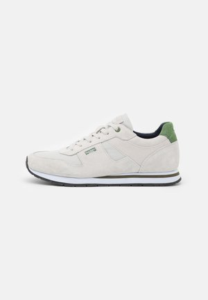 SHEFFIELD EYELT TRAINER - Sneakers laag - white