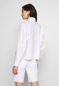 Weekday - NOELLE BLOUSE - Blouse - white - 2